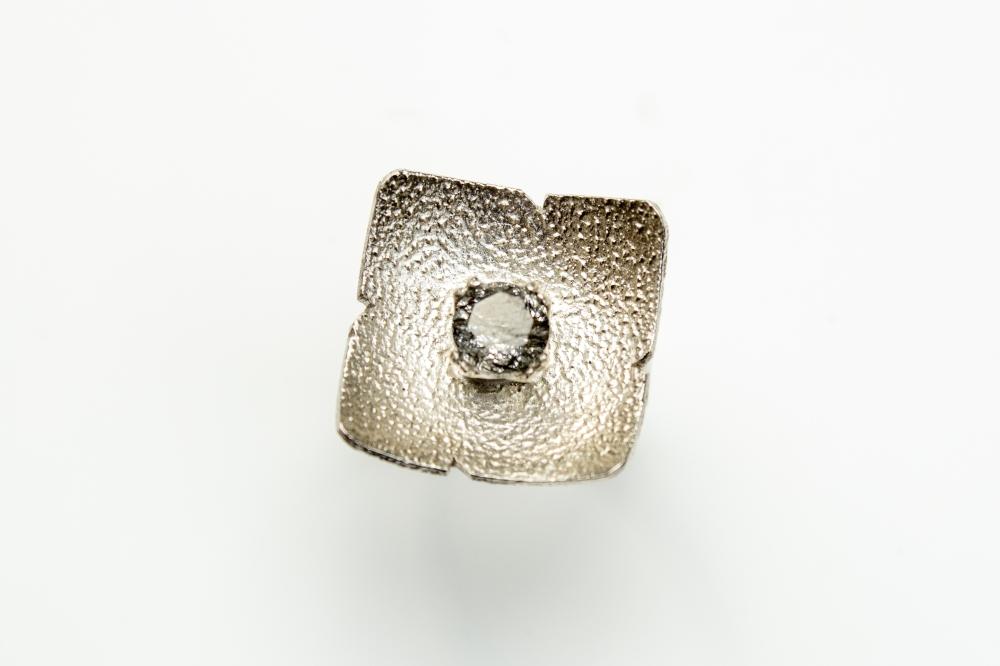 ring balck rutilated 2