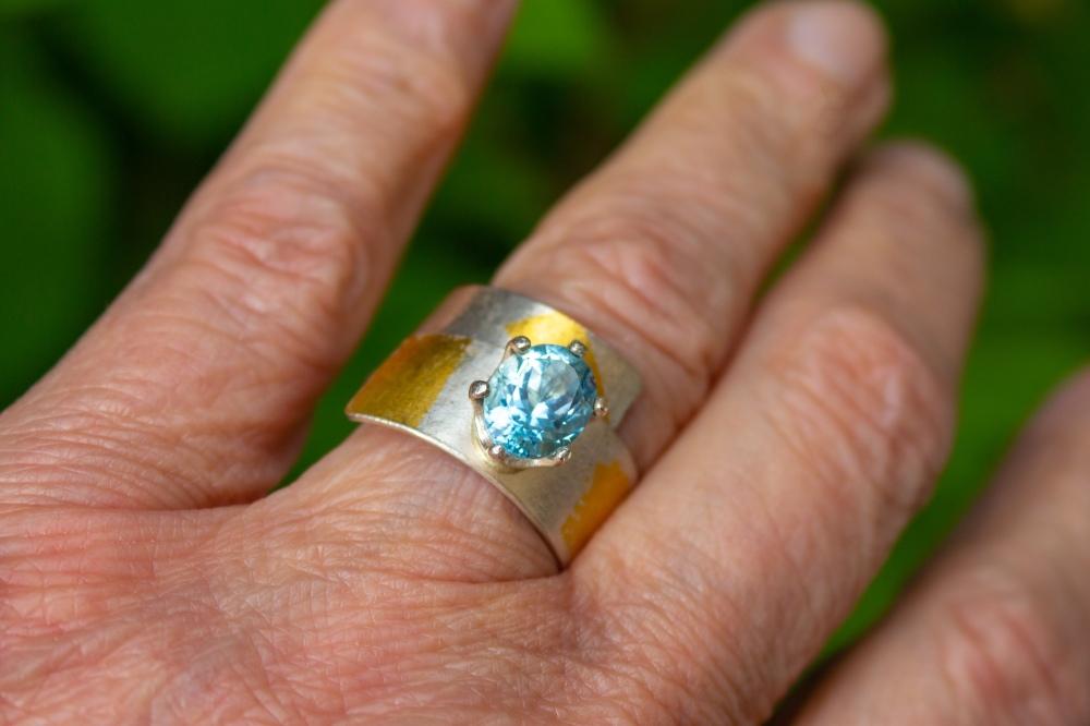 ring BT KB oval worn