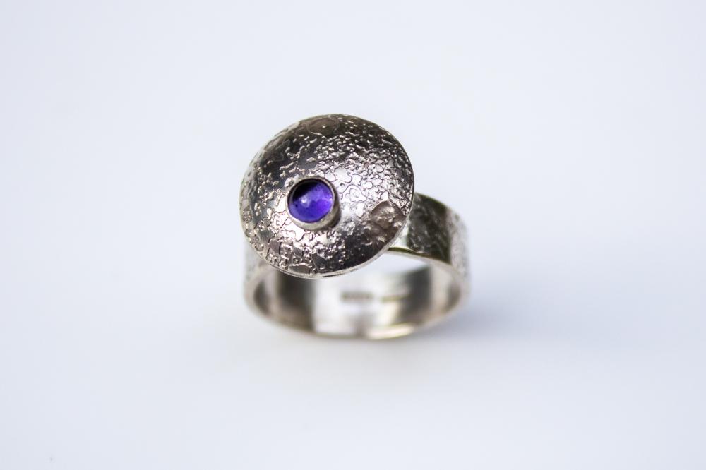 ring flying saucer