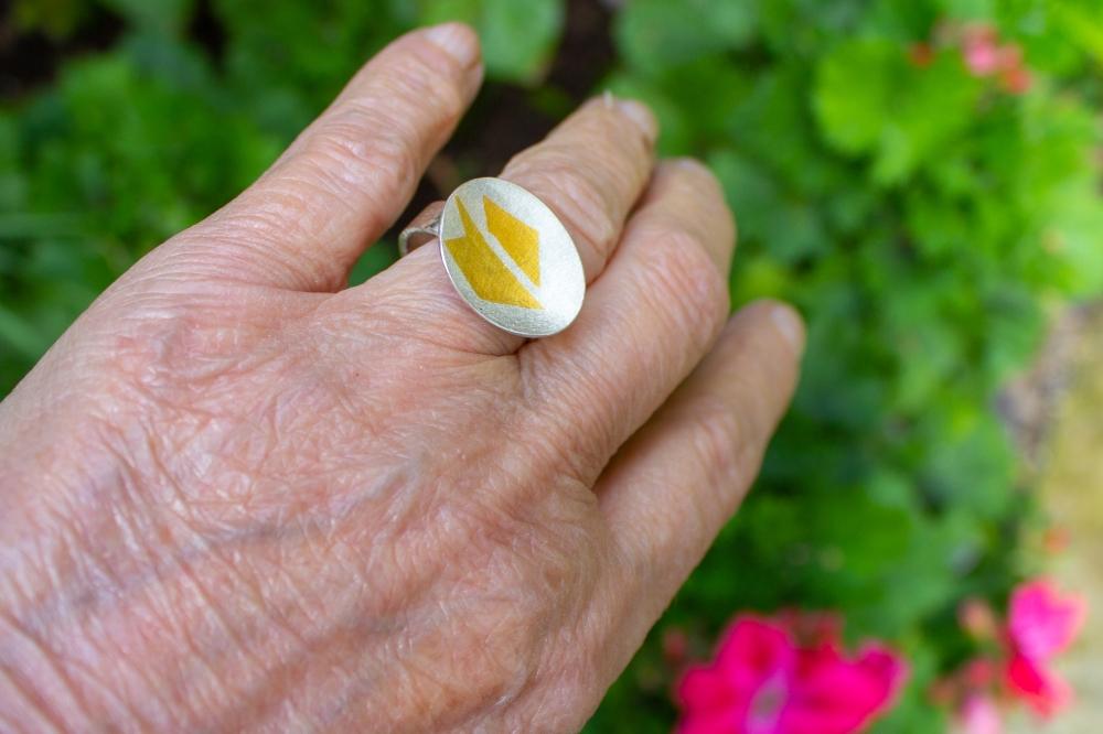 ring KB worn 1