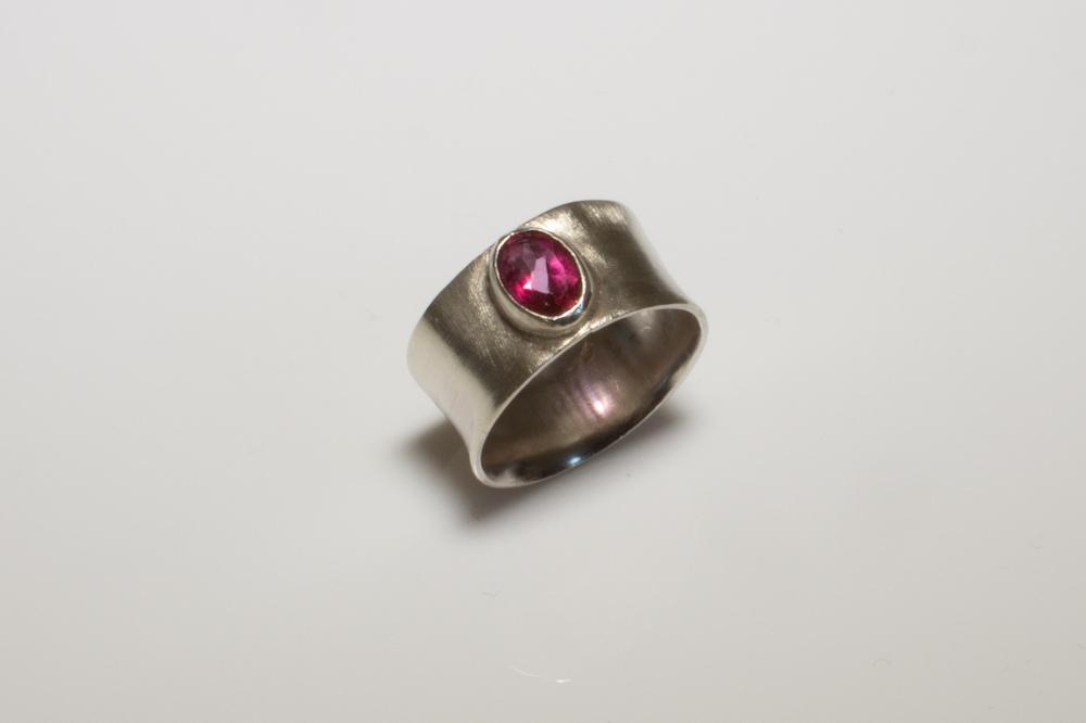 ring Rhodelite