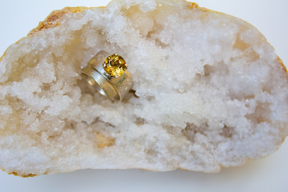 ring wrapover moonscape citrine stone