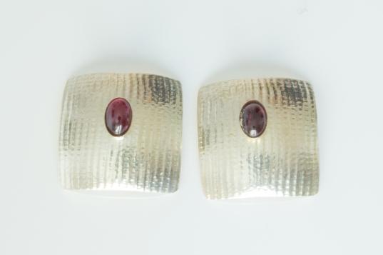 earrings square garnet