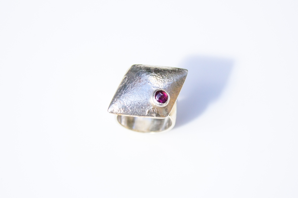 ring rhomboid RG