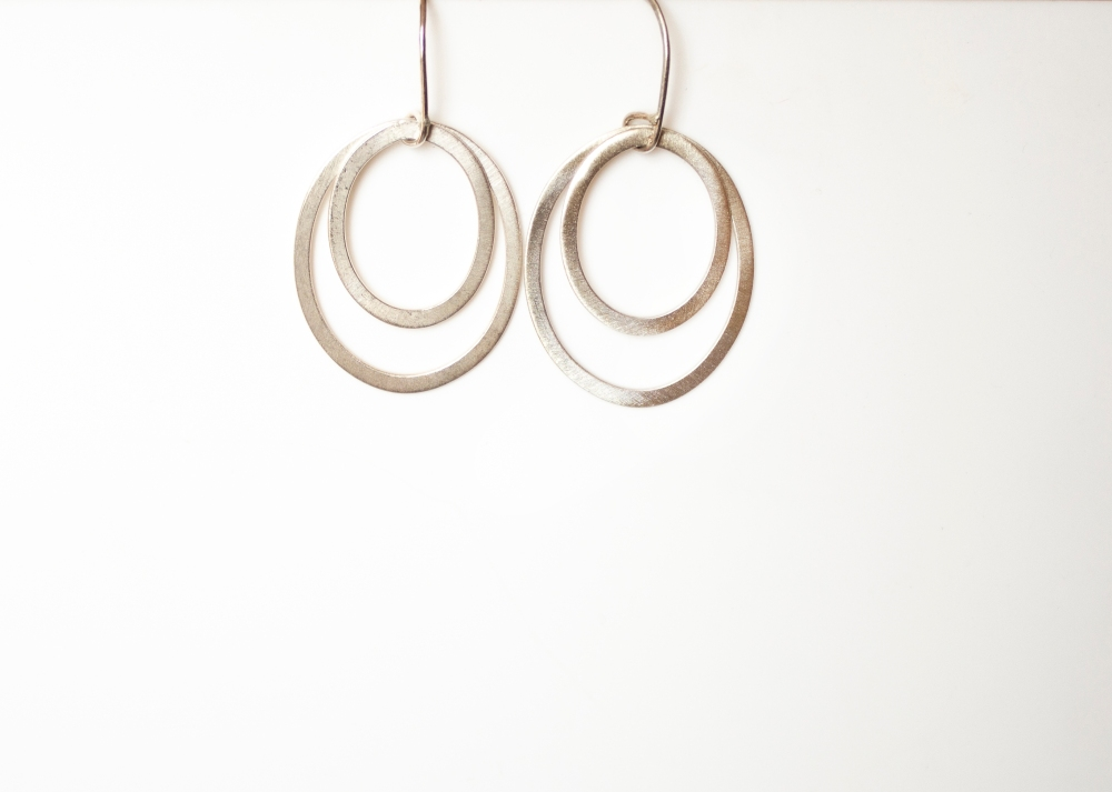 earring drop oval matte 2