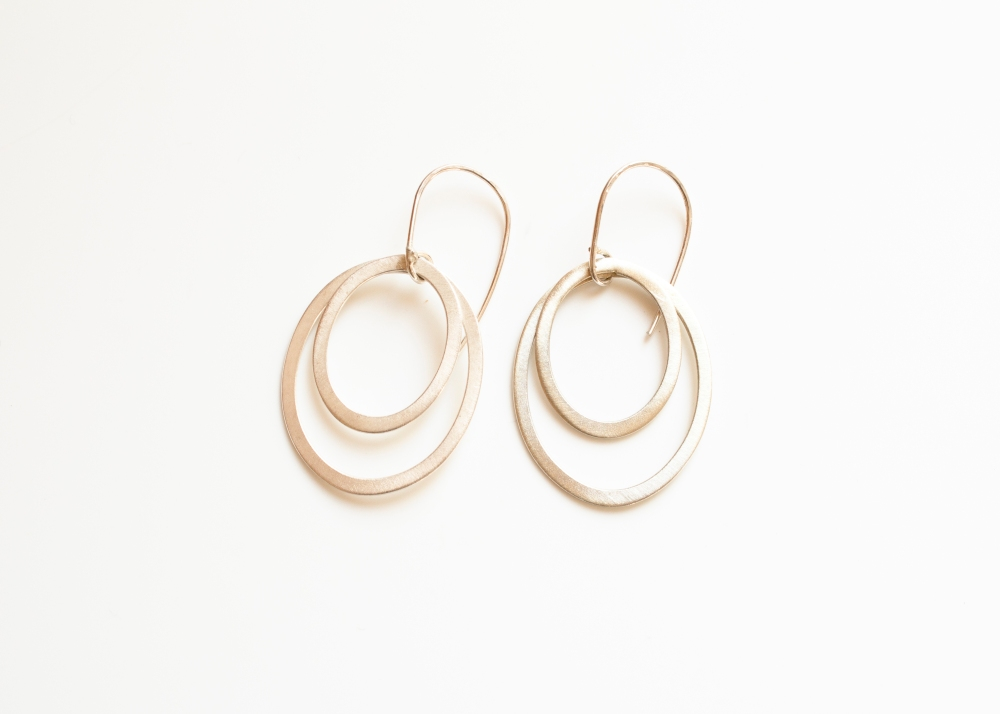 earring drop oval matte