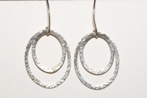 earring hamered oval 2