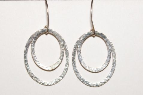 earring hamered oval 2