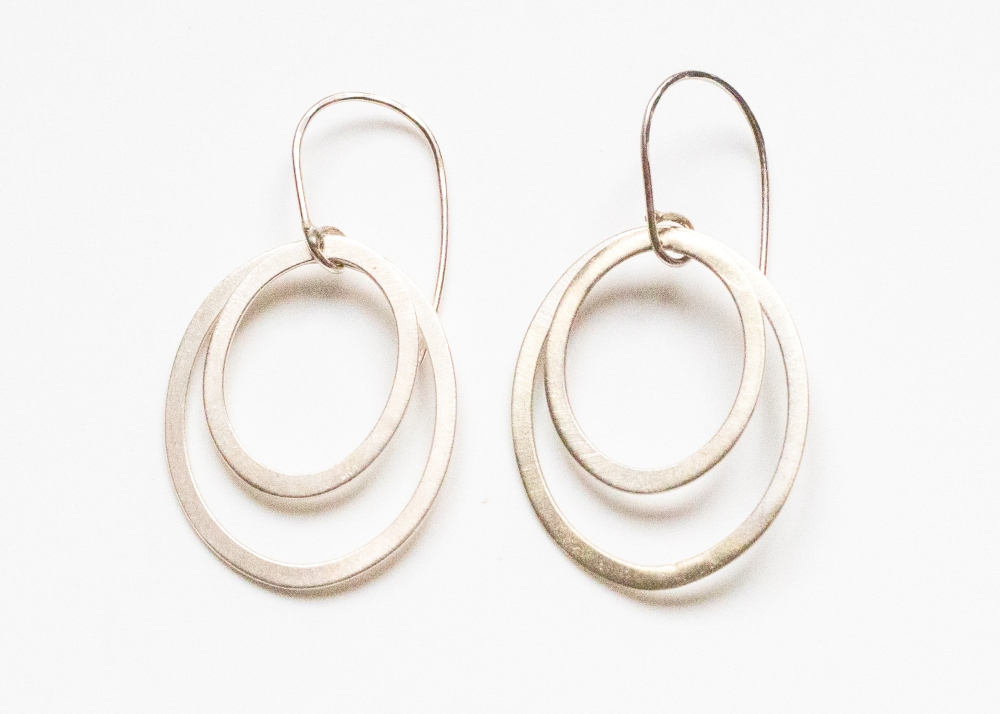 earrings drop 2 rings oval matte