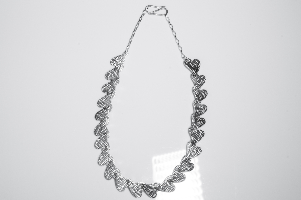necklace running hearts