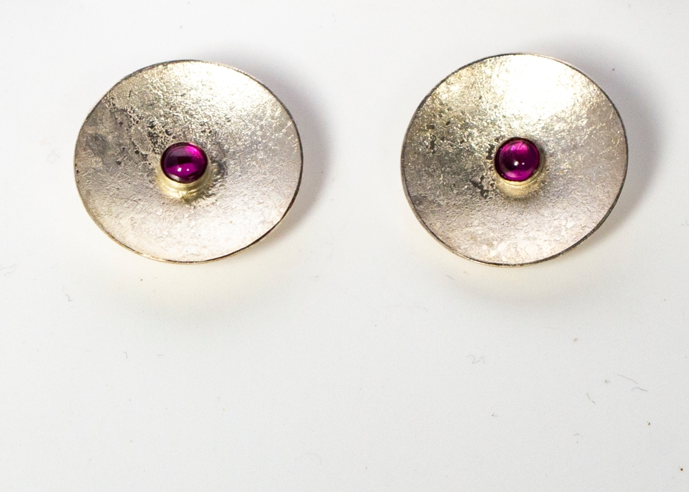 earrings stud round moonscape cut RG