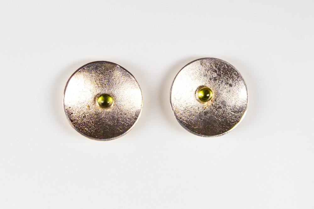 earrings studs round peridot