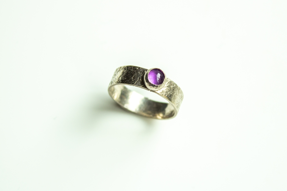 ring amathyst cabochon small 2