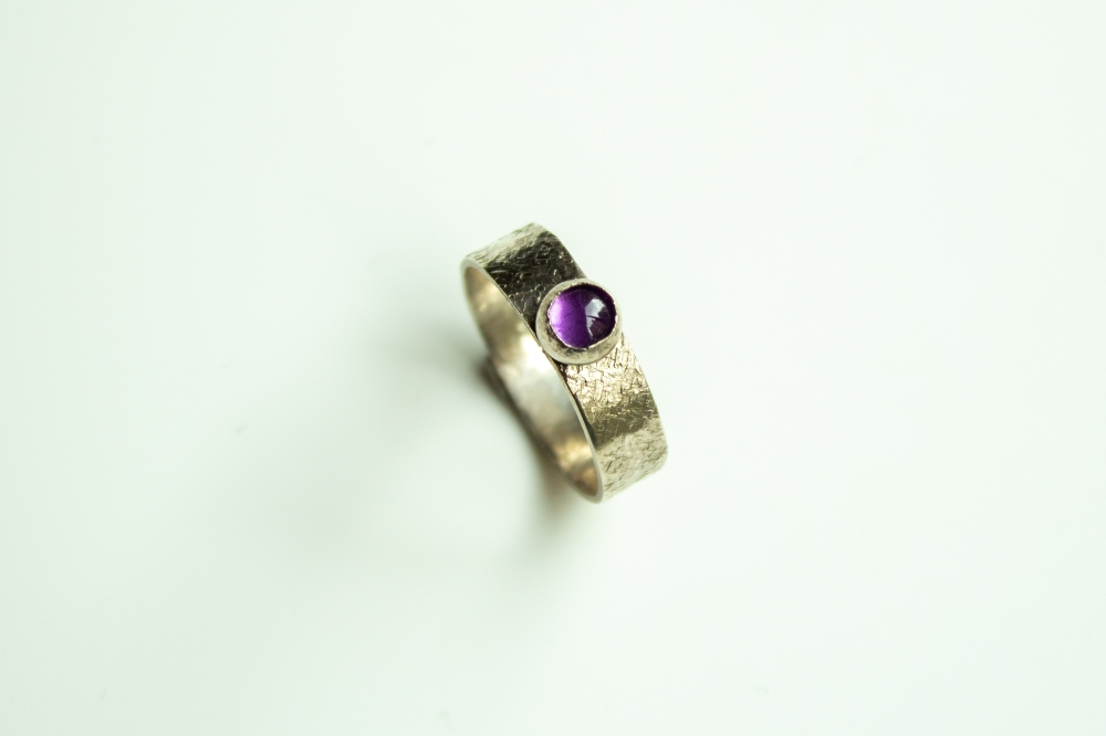 ring amathyst cabochon small 3