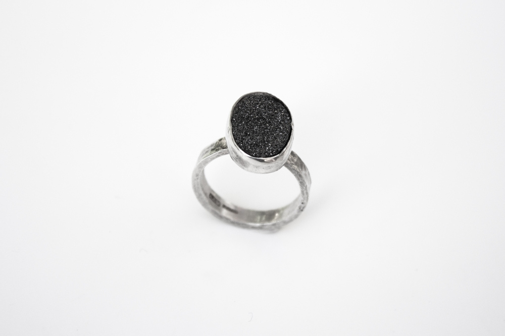ring blk druzy oval 2