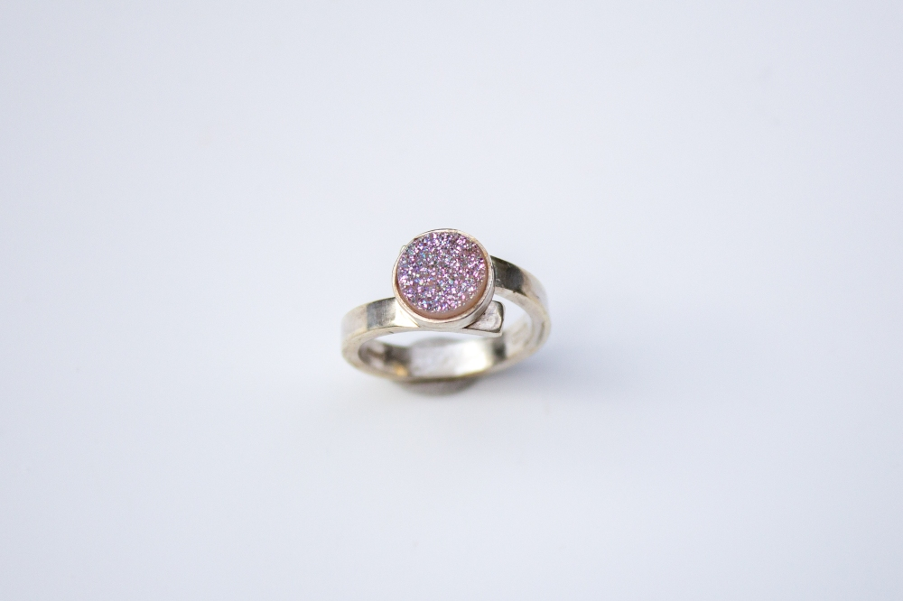 ring white druzy round