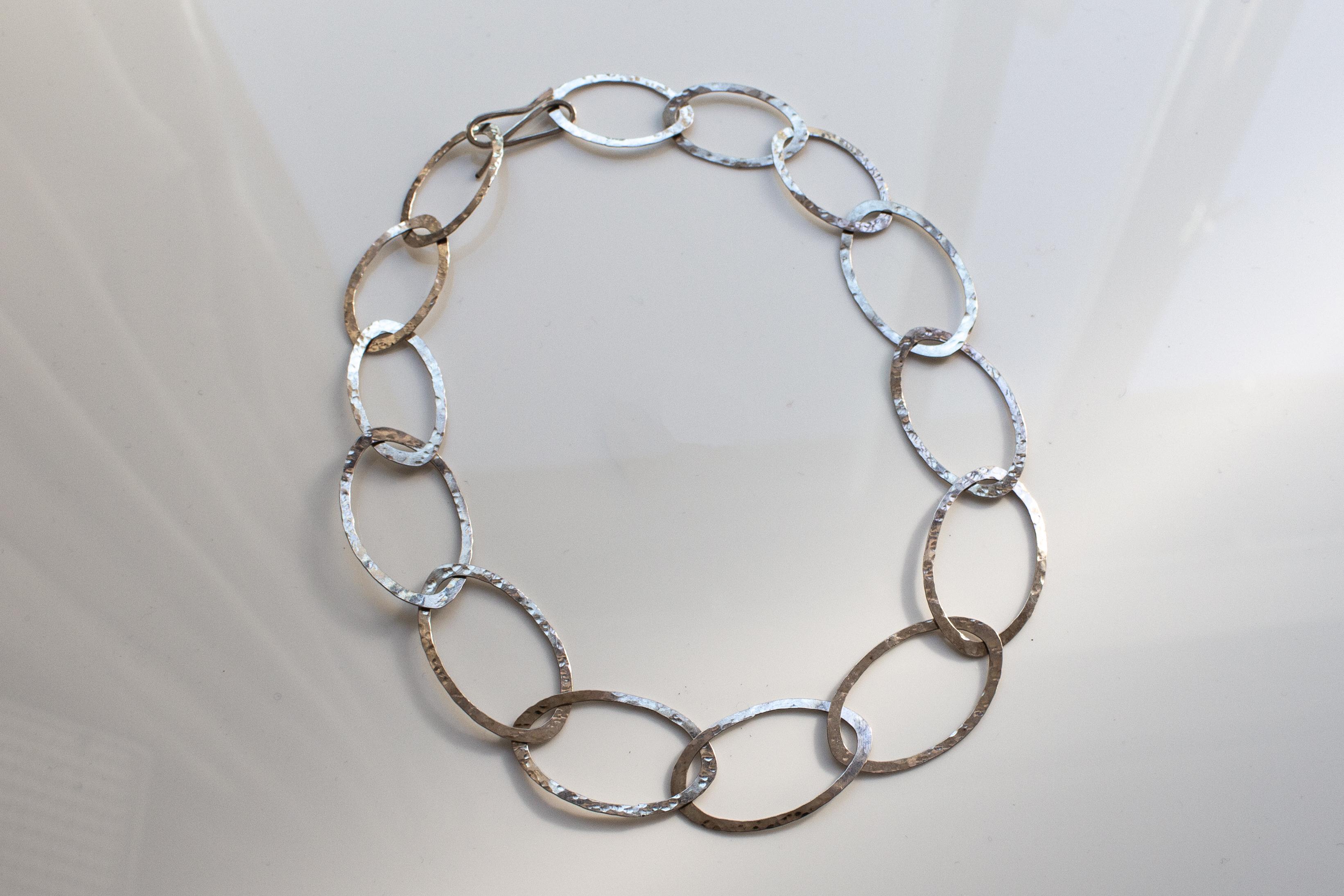 chain single varied