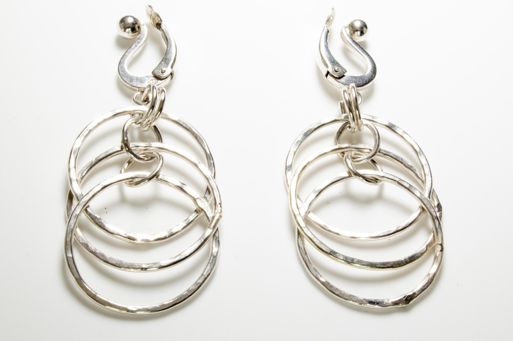 earrings dancing rings 3 C side