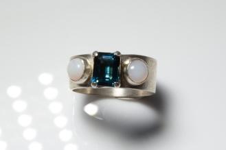 ring BT opals