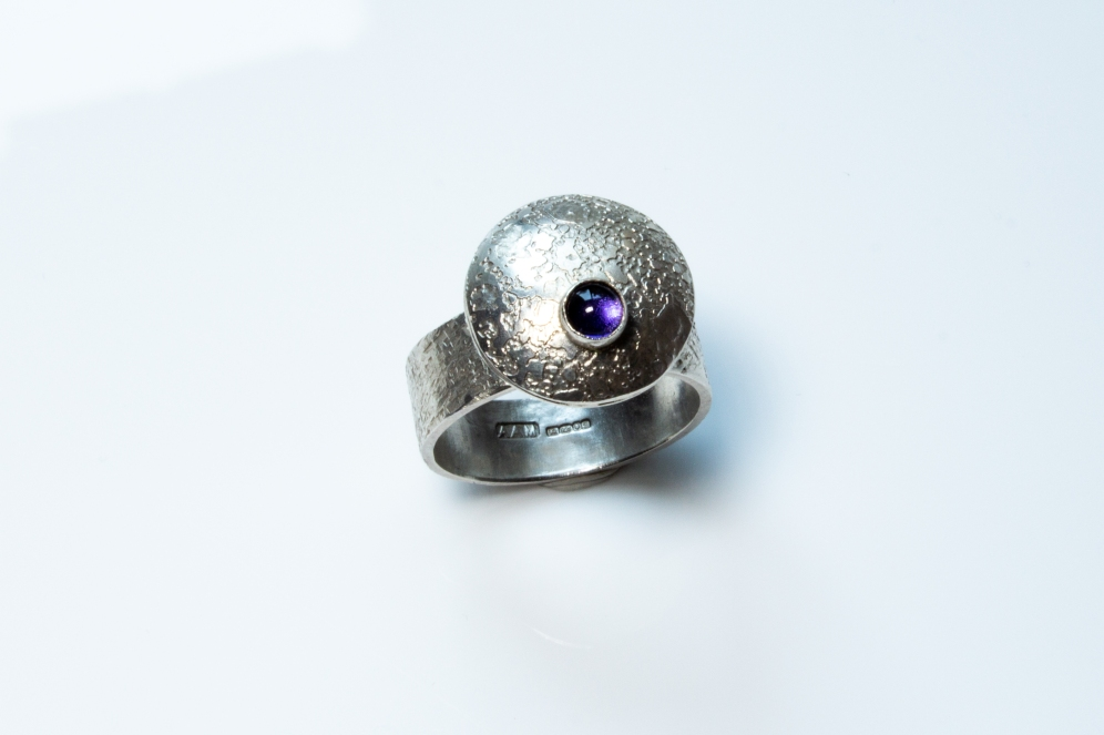 ring flying saucer iolite