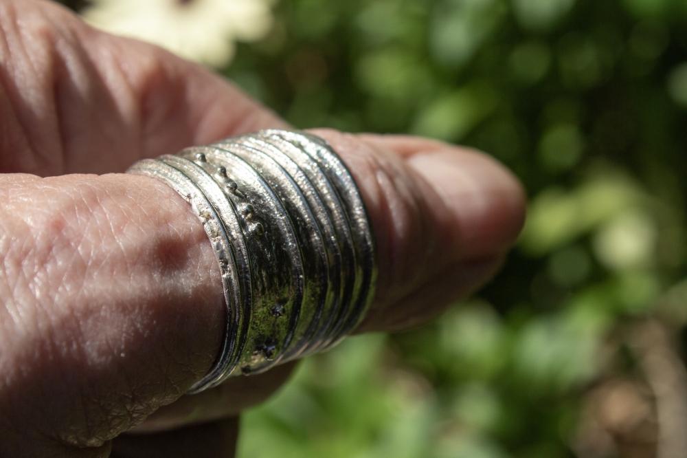ring free form 1 worn