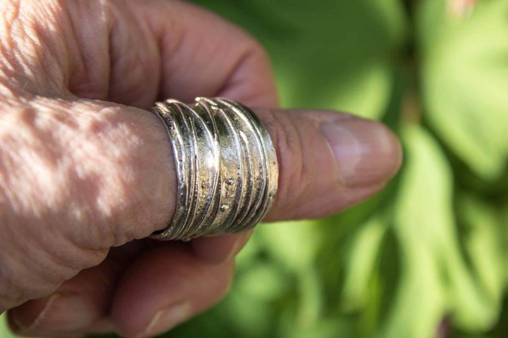 ring free form 2 worn