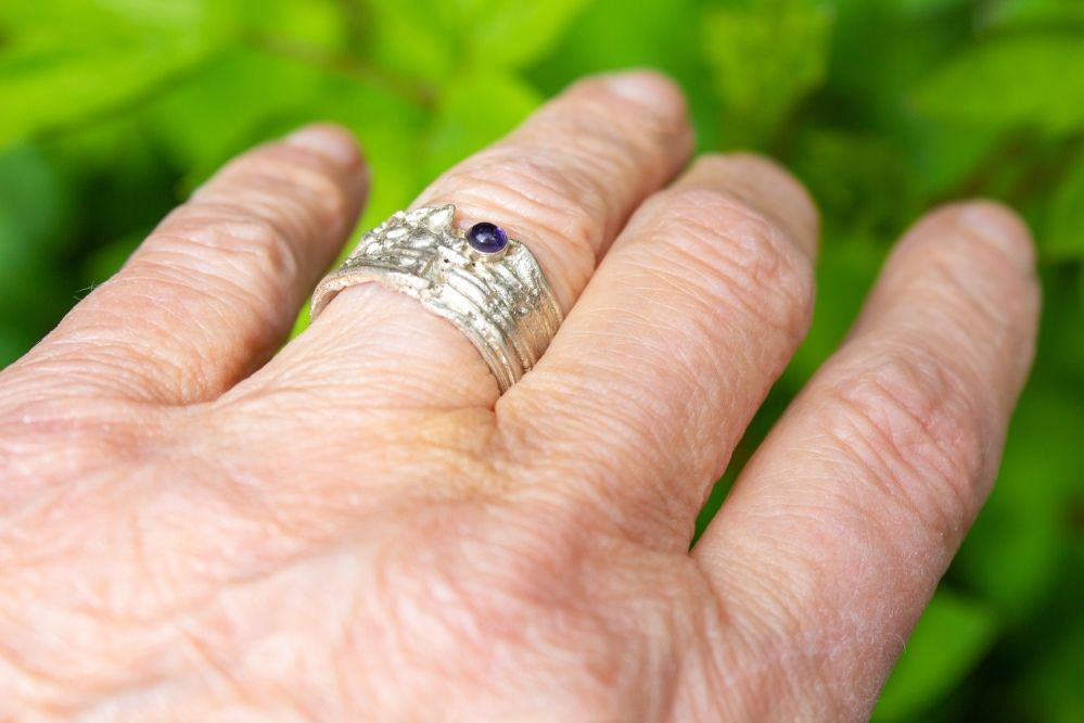 ring free form small worn 1