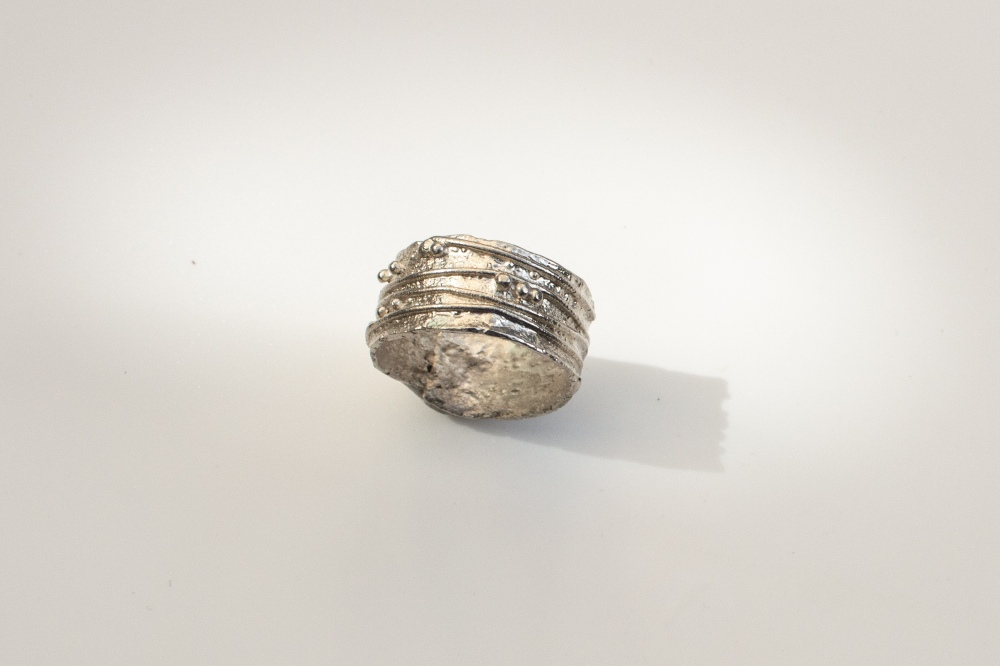 ring free from small 2