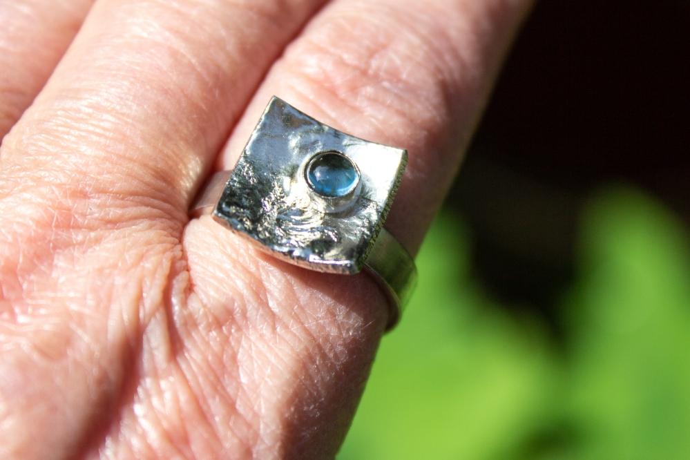 ring liquid silver BT worn