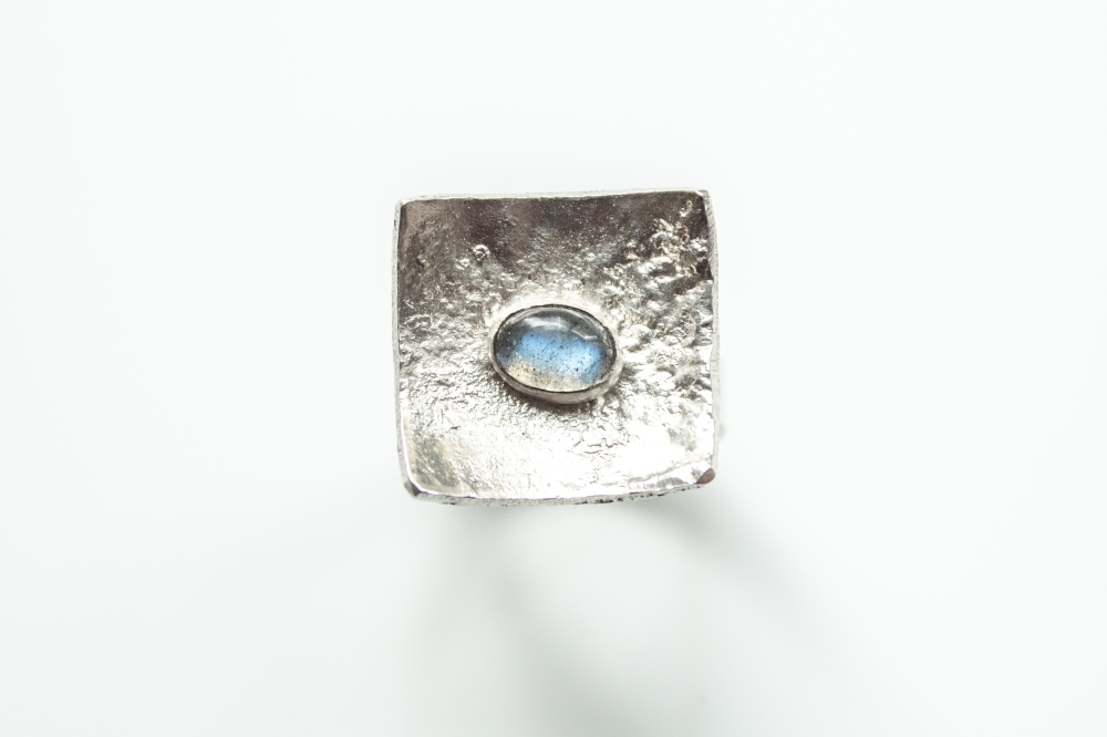 ring liquid silver labradorite 1