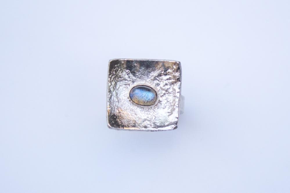 ring liquid silver labradorite
