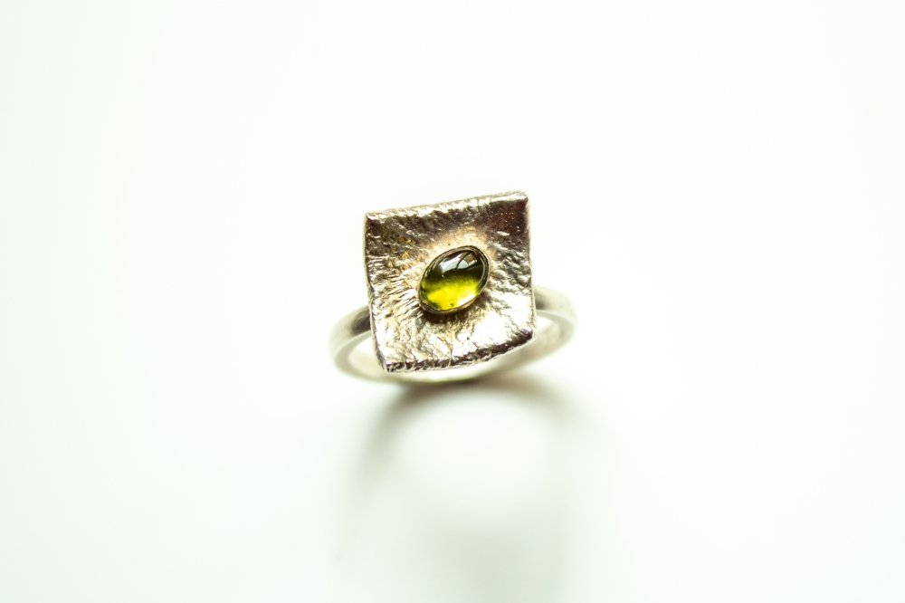 ring liquid siver peridot 2