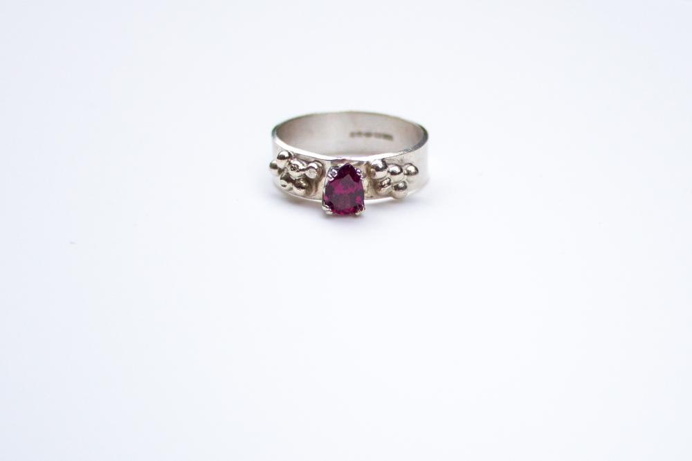 ring grapes pear shaped RG 6